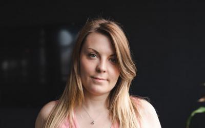 3. Ses emplois et implications l'ont menés à co-fonder E-Influence, Avec Alexandra Picard-Dudé